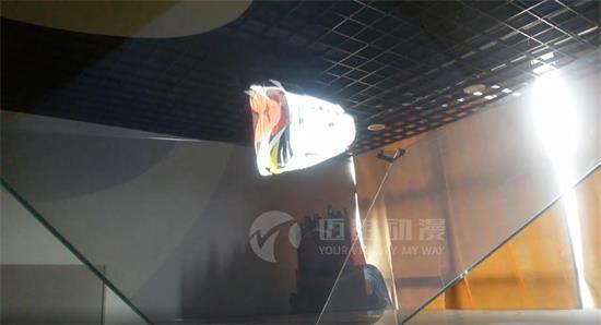 立体、纵深的全息投影视频怎么做?
